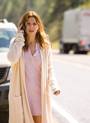 Sandra Bullock in una scena del thriller Premonition