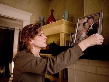 Sandra Bullock in una sequenza del film Premonition