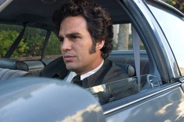 Mark Ruffalo in una scena del thriller Zodiac