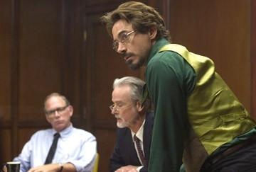 Robert Downey Jr. in una scena del thriller Zodiac