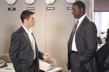 Ryan Phillipe e Dennis Haysbert in una scena di Breach - L'infiltrato