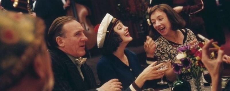 Gerard Depardieu e Marion Cotillard in una scena de 'La vie en rose'