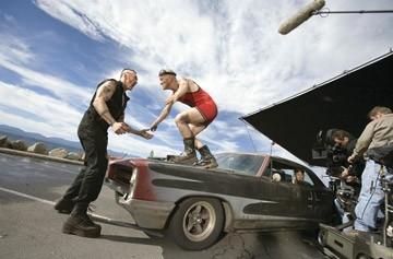 Kevin Durand e Maury Sterling in una scena del film 'Smokin' Aces'