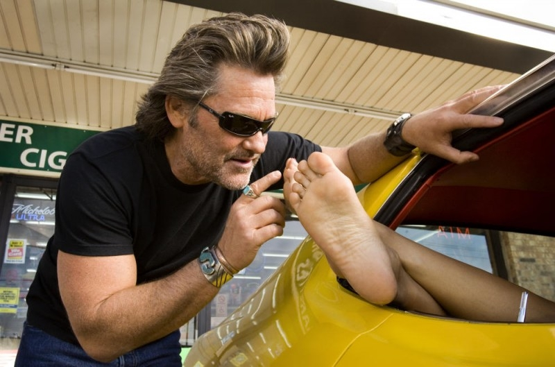 Kurt Russell in una scena del film Death Proof, episodio del double feature Grind House diretto da Tarantino