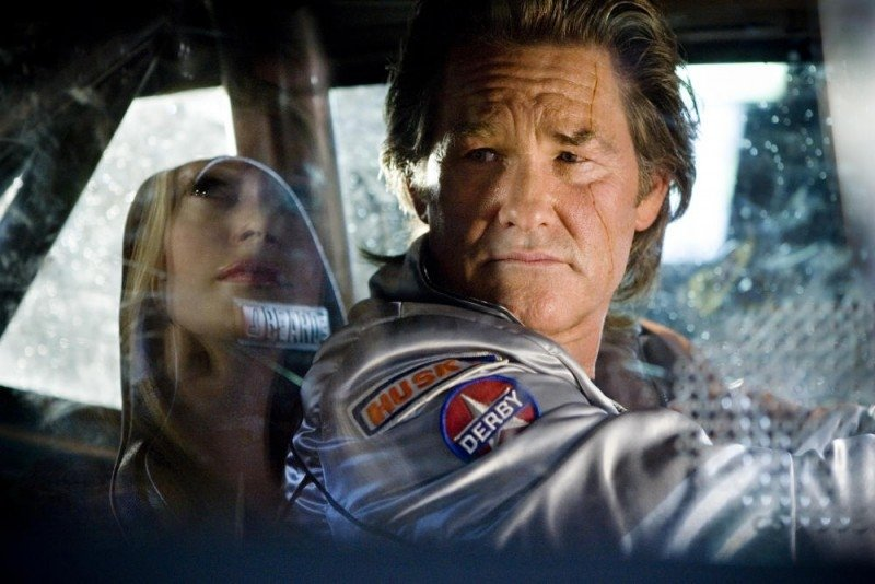 Kurt Russell in una scena di Death Proof, episodio del double feature Grindhouse