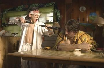 Martin Henderson e Zach Cumer in una scena del film Smokin' Aces
