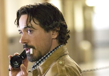 Robert Downey Jr. in una scena del film Zodiac di David Fincher