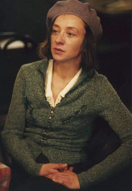 Sylvie Testud in una scena del film La vie en rose