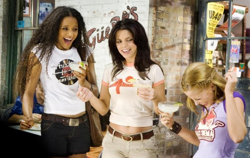 Sydney Tamiia Poitier, Vanessa Ferlito e Jordan Ladd in una scena del film Death Proof, episodio del double feature Grind House