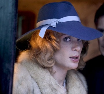 Un incredibile Cillian Murphy in una scena del film Breakfast on Pluto