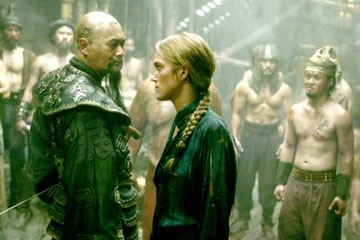 Keira Knightley e Chow Yun-Fat in una scena di Pirates of the Caribbean: At Worlds End