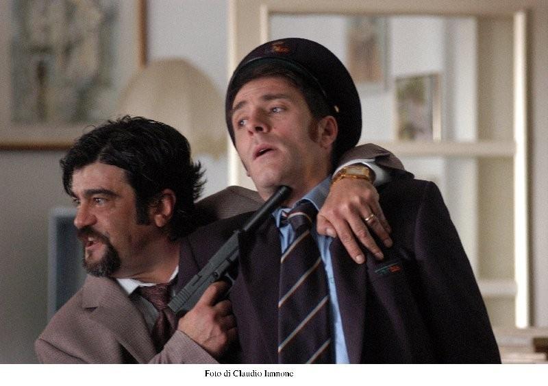 Francesc Pannofino e Valerio Mastandrea in una scena di Notturno Bus