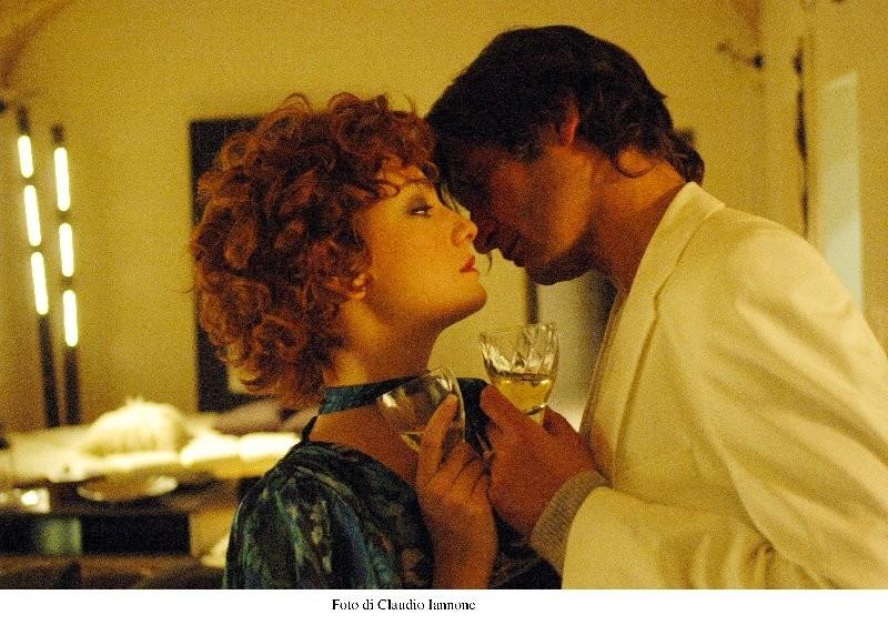 Giovanna Mezzogiorno e Ivan Franek in una scena di Notturno Bus