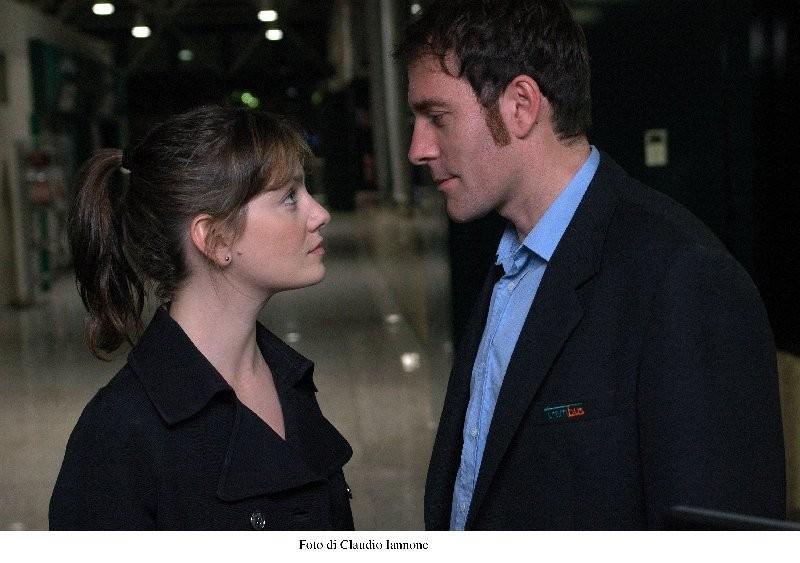 Giovanna Mezzogiorno e Valerio Mastandrea in una scena di Notturno Bus