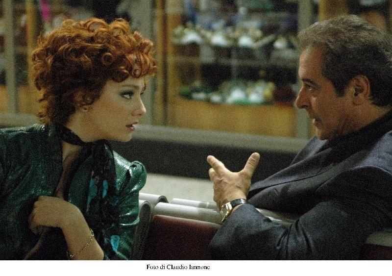 Giovanna Mezzogiorno ed Ennio Fantastichini in una scena di Notturno Bus