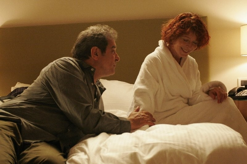 Iaia Forte ed Ennio Fantastichini in una scena di Notturno Bus