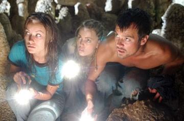 Olivia Wilde, Josh Duhamel e Melissa George in una scena del film Turistas