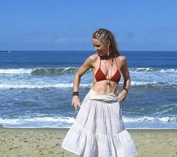 Melissa George  in una scena del film Turistas
