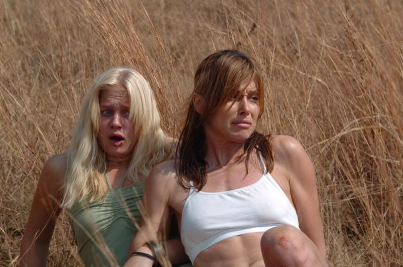 Due sexy protagoniste del film Prey