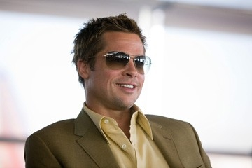 Brad Pitt in una scena del film Ocean's Thirteen