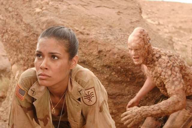 Daniella Alonso  in una scena drammatica di The Hills Have Eyes II (2007)