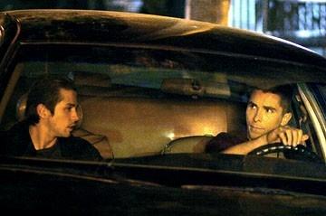 Christian Bale e Freddy Rodriguez in una scena di Harsh Times - I giorni dell'odio