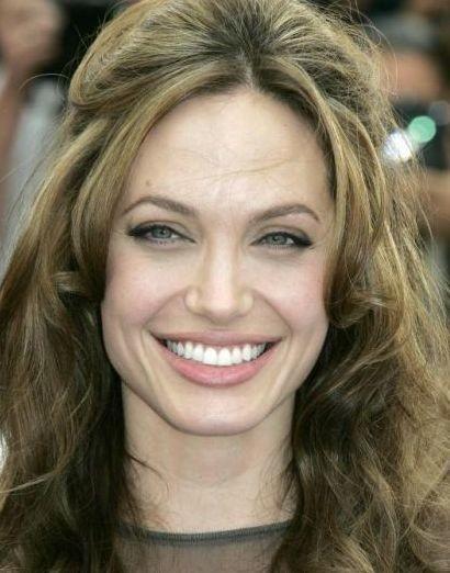 Cannes 2007: una sorridente Angelina Jolie