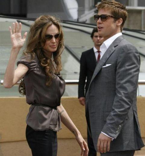 Cannes 2007: Angelina Jolie e Brad Pitt salutano i fan