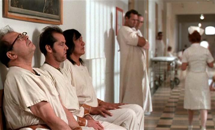 Jack Nicholson in una sequenza del dramma Qualcuno volò sul nido del cuculo