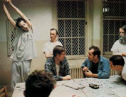 Jack Nicholson in una scena di Qualcuno volò sul nido del cuculo, di Milos Forman