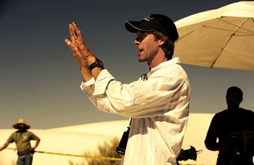 Michael Bay sul set del film Transformers