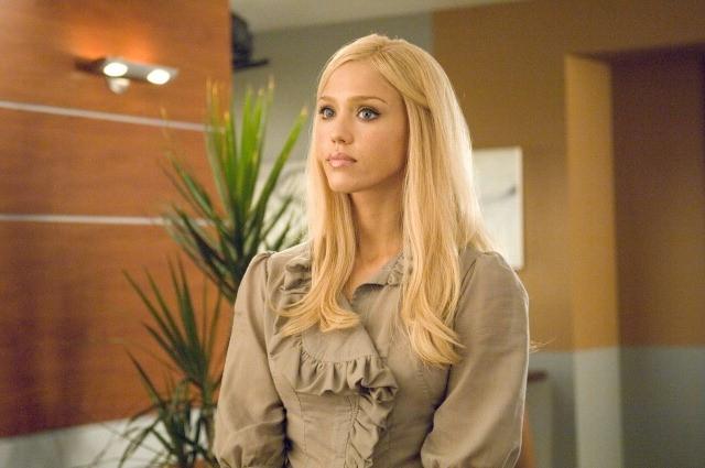 La bionda Jessica Alba ne I fantastici 4 e Silver Surfer