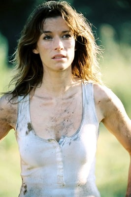 Brooke Langton in una scena del film Paura primordiale