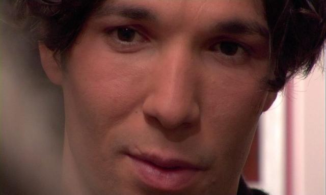 Francesco Venditti in una scena de Il punto rosso