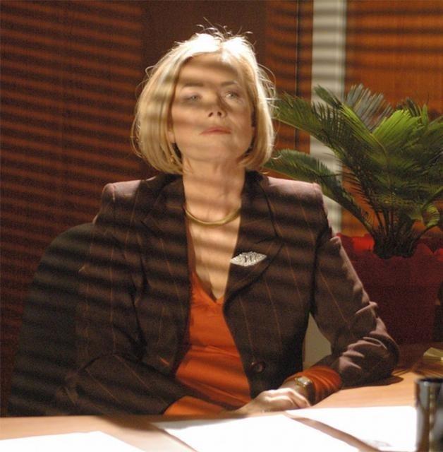 l'attrice Solvi Stubing in una scena de Il punto rosso