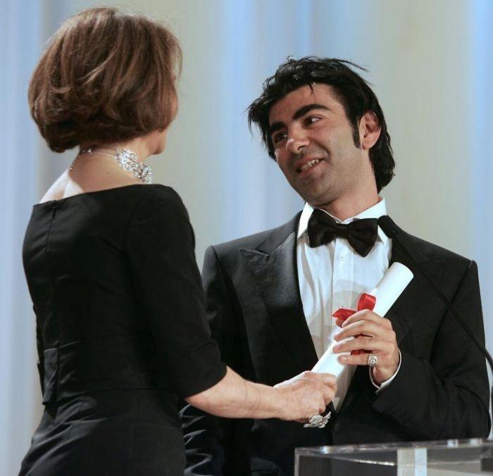 Cannes 2007, serata finale: Fatih Akin premiato da Charlotte Raampling per The Edge Of Heaven