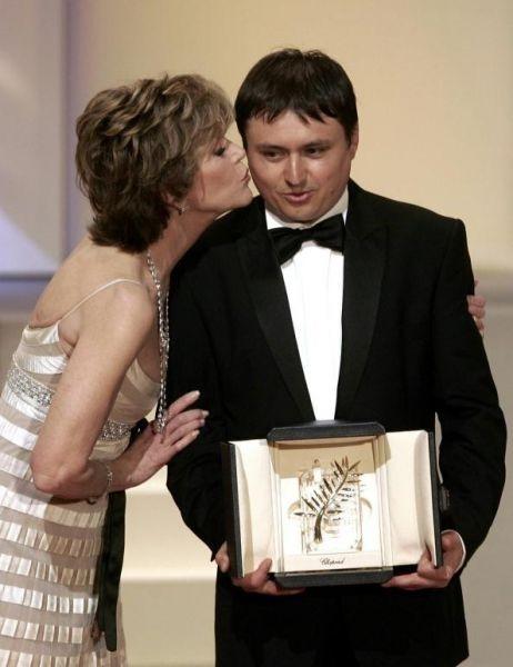 Cannes 2007, serata finale: la Fonda e Cristian Mungiu, Palma d'Oro per 4 Mesi, 3 Settimane e 2 Giorni