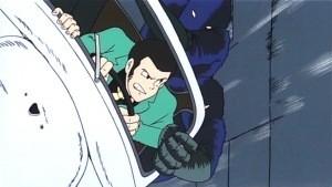 Una scena d'azione del film d'animazione Lupin III: Il castello di Cagliostro