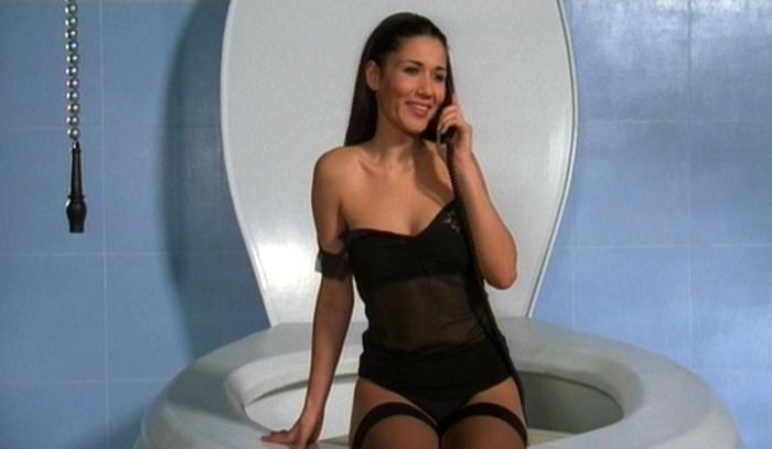 Barbara Turita in una scena del film Terapia Roosevelt di Vittorio Muscia