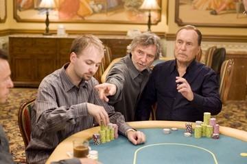 Daniel Negreanu, Curtis Hanson e Robert Duvall sul set di Le regole del gioco
