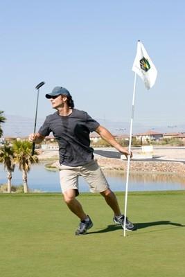 Eric Bana sportivo in una scena di Le regole del gioco