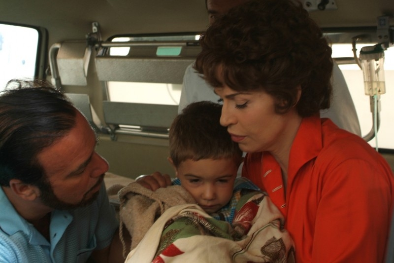 Massimo Ghini e Anna Galiena in una scena del film Guido che sfidò le Brigate Rosse