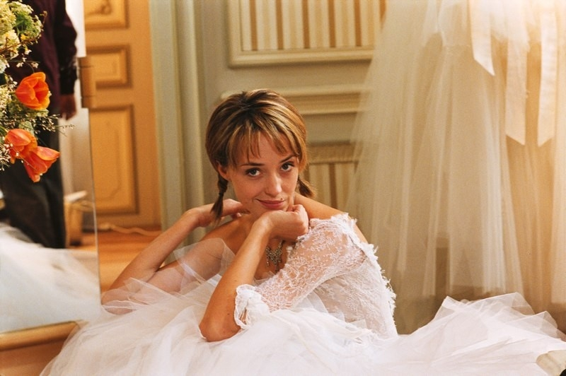 Hélène De Fougerolles in una scena di Finchè nozze non ci separino