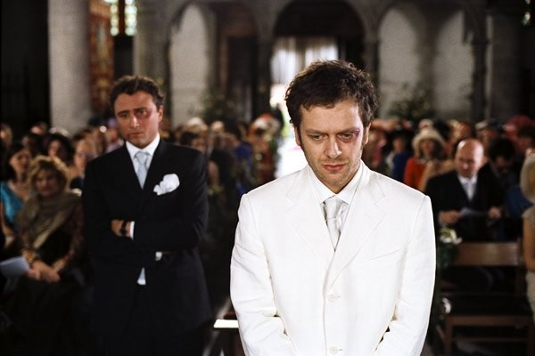 Jonathan Zaccai in una scena di Finchè nozze non ci separino