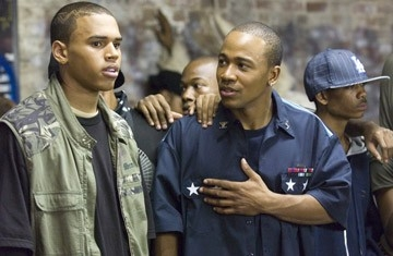 Columbus Short e Chris Brown in una scena del film Stepping