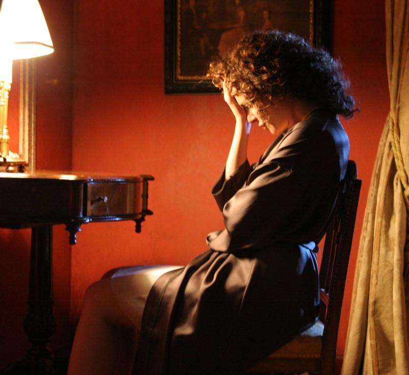 Valeria Golino in una scena del dramma Il sole nero