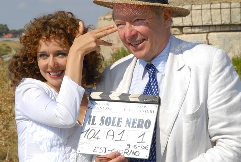 Valeria Golino sul set del film Il sole nero