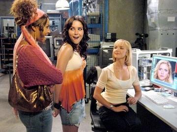 Arielle Kebbel insieme a Sophia Bush e Ashanti in una scena di John Tucker Must Die