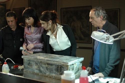 Coralina Cataldi Tassoni con Dario e Asia Argento in una scena del film La terza Madre