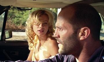 Amy Smart e Jason Statham in una scena del film Crank (2006)